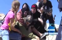 کتک خوردن سرباز اسرائیلی از چند زن