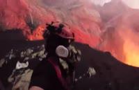 ضبط ویدیو نزدیک از آتشفشان با استفاده از پهپاد