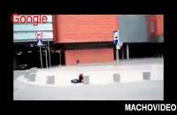 کلیپ حرکات نمایشی با لامبورگینی در خیابان