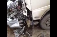 تصادف وحشتناک پراید و قاطی شدن سرنشینان با ماشین ( مریضی قلبی داری نگاه نکن (