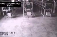 روح سیاه عجیب در کارخانه..!!
