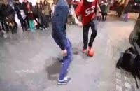 حرکات بسارزیبا باتوپ در خیابان