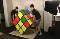 حل بزرگترین مکعب روبیک جهان به ابعاد 90x90 سانتی متر