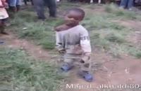 رقص پسر بچه آفریقایی