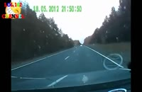 صحنه های دیدنی از تصادف انسان با ماشین