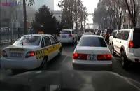 نتیجه پریدن وسط خیابان+ماشین خودرو اتوموبیل تصادف+فیلم