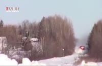 عبور دیدنی قطار از میان انبوه برف