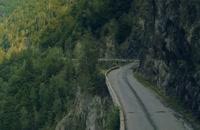ب ام و گرن کوپه در جاده ای بسیار زیبا